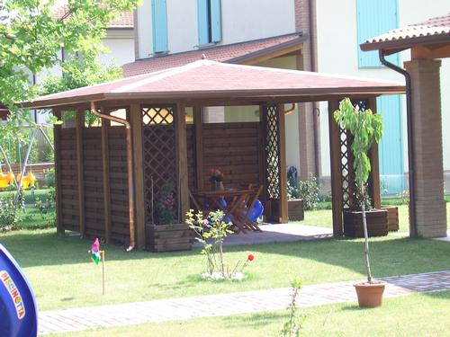 Gazebo a base quadrata