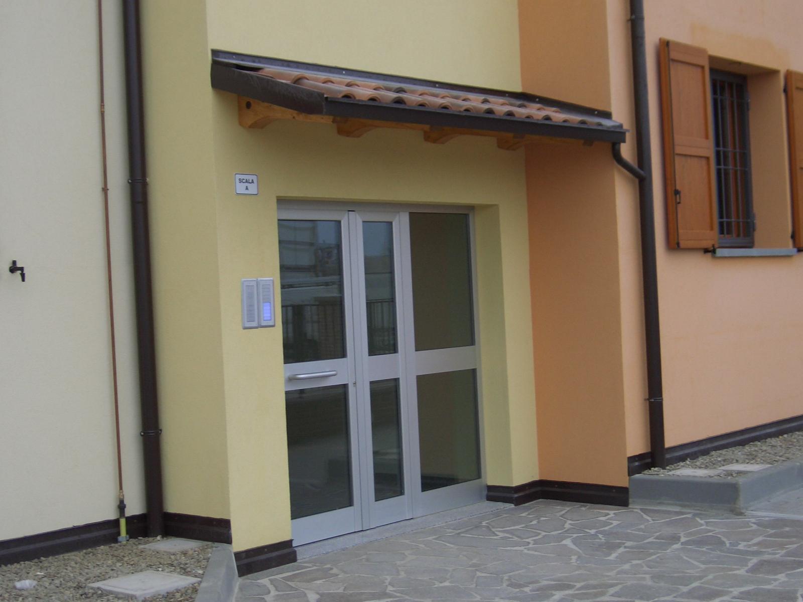 Copri porta e finestra con travetti monobraccio for Porta e finestra insieme