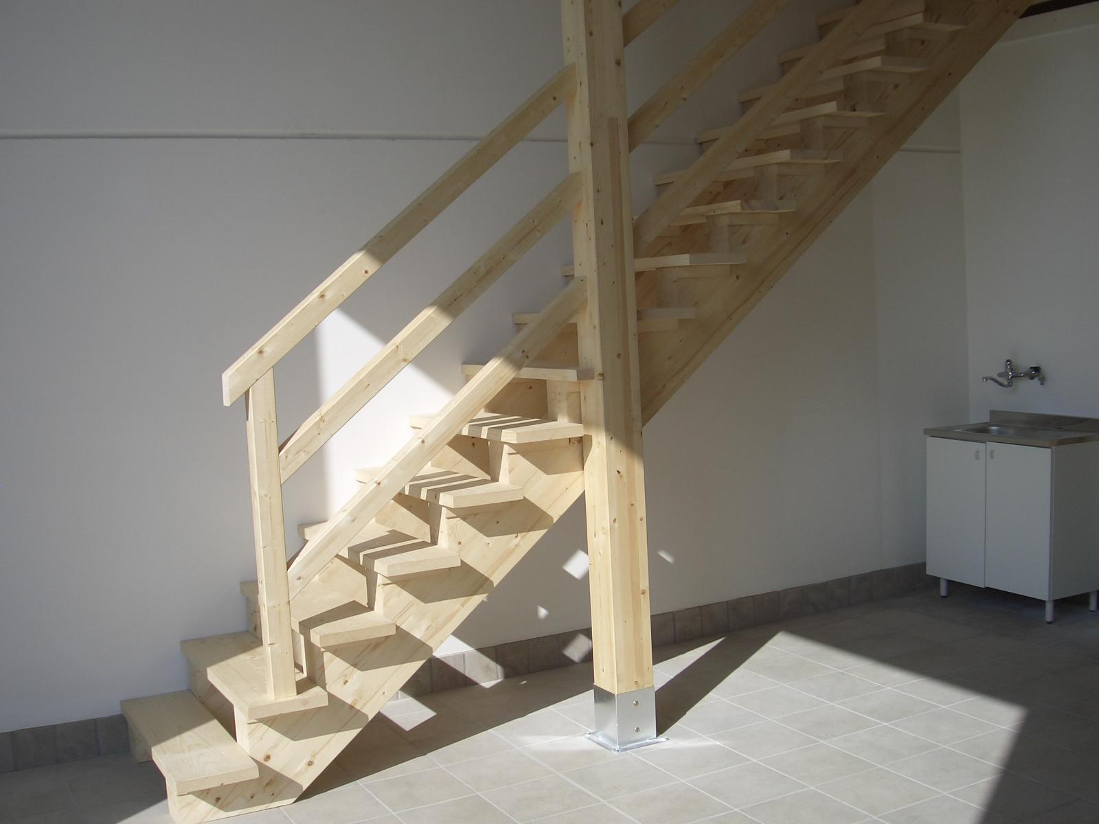 Scala in legno per soppalco for Tappeti per scale in legno